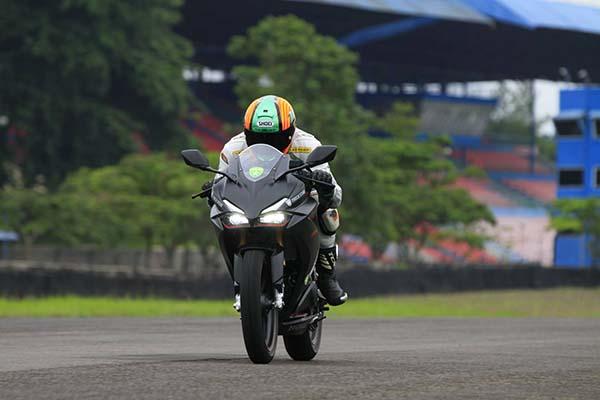 Honda CBR250RR Speed