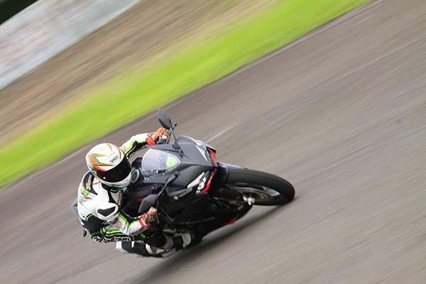 Honda CBR250RR test by TrickStar