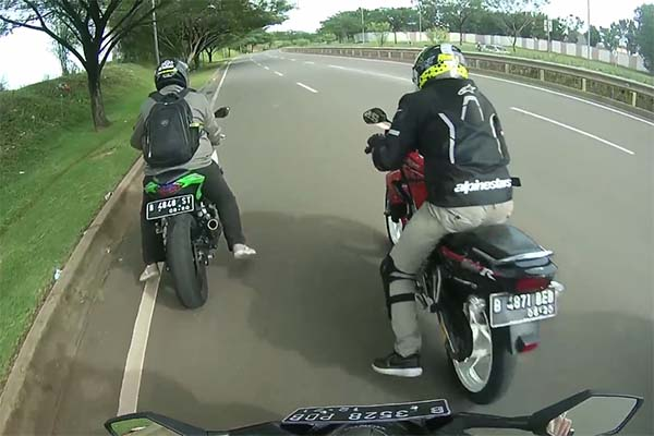 Adu Drag CBR250RR, Ninja 250 FI, Yamaha MT-25 dan Ninja 150