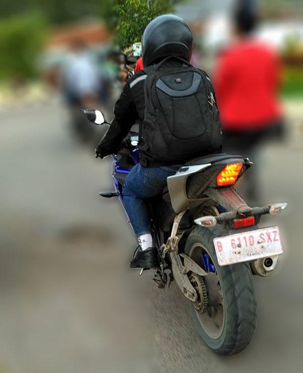 Spyshoot Yamaha R15 2017 racing blue