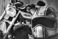 Kenapa Harus Pakai Helm ketika Naik Motor