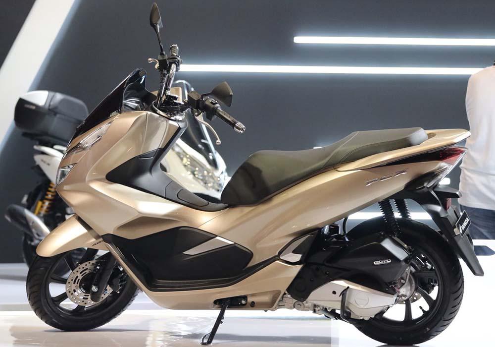 Warna Honda PCX Glamour Gold