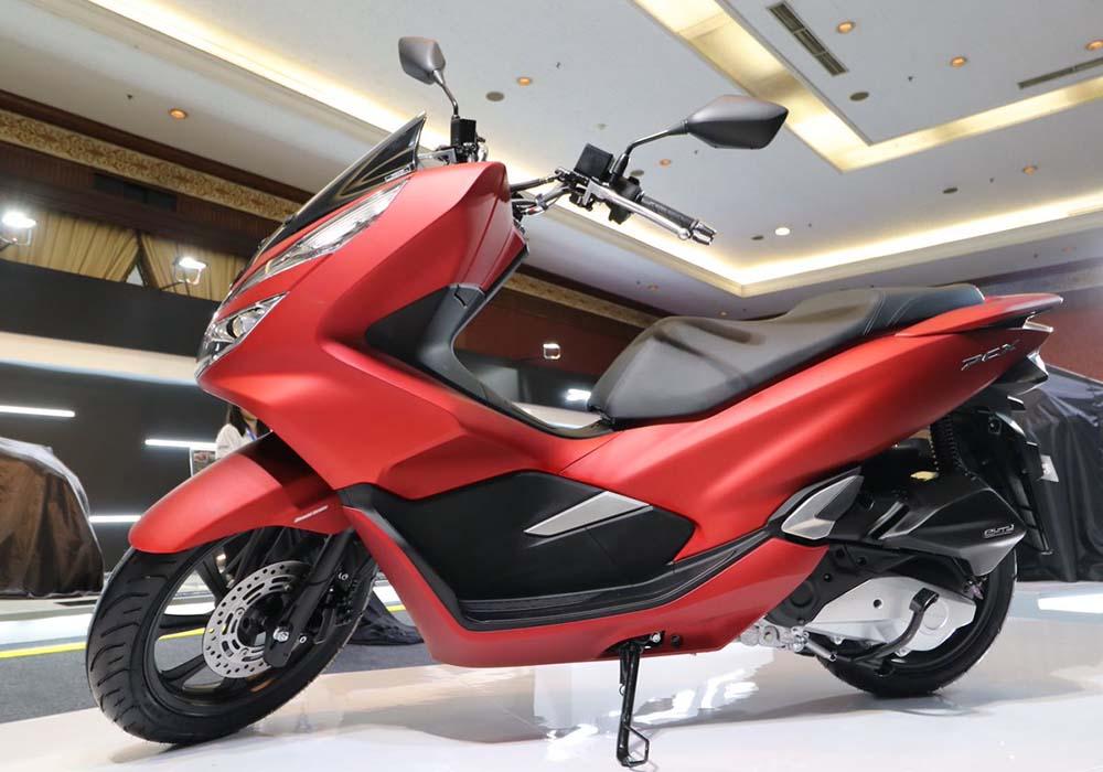 Warna Honda PCX Majestic Matte Red