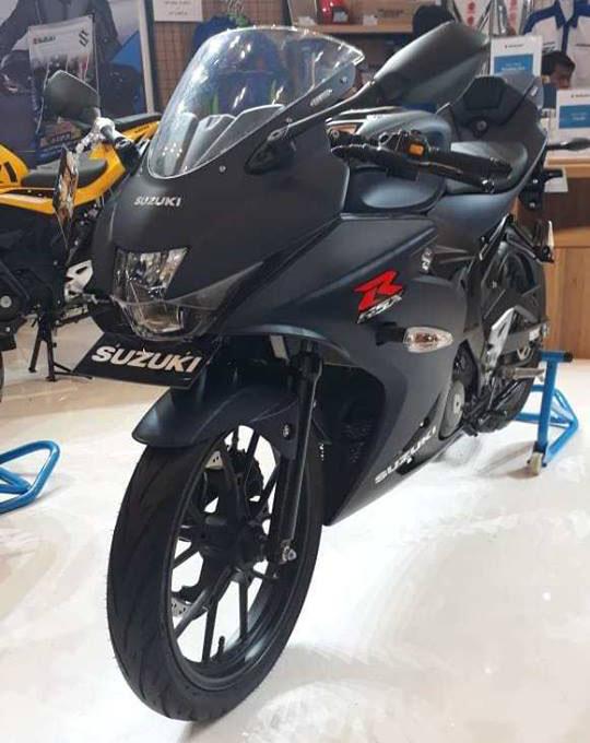 Suzuki GSX-R150 biru doff di GIIAS 2018