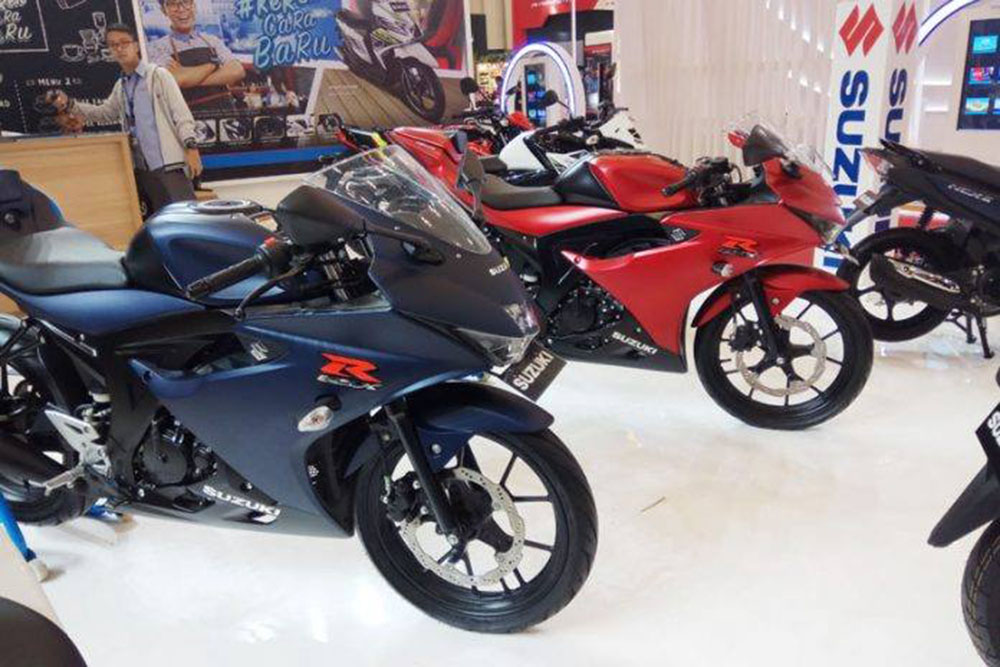 Suzuki Gsx R150 Warna Biru Dan Merah Doff Di Giias Baru Tes Pasar