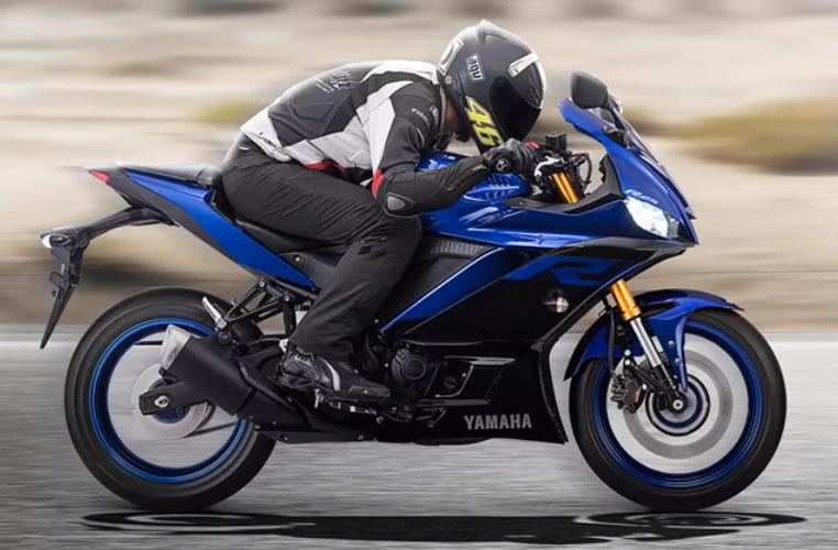 New Yamaha R25 facelift 2019 melaju kencang