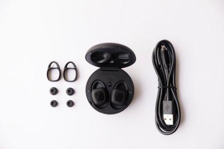 xFyro Aria earbuds kit