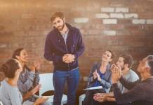 afkicken in een groepsgesprek