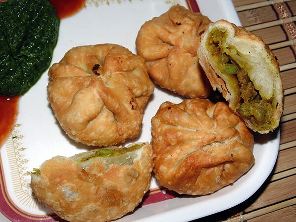 Lilva Ki Kachori for winter season