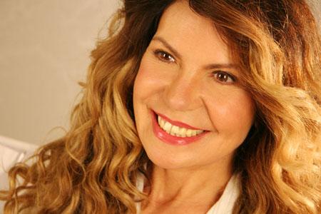 Elba Ramalho critica aborto