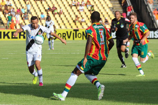 No primeiro jogo, em São Luís, o Vasco goleou o Sampaio por 4 a 0, no Estádio Castelão