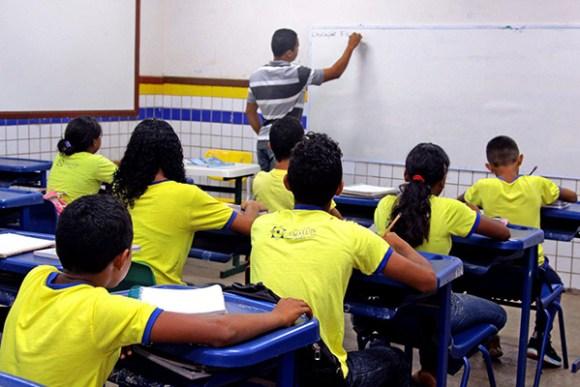 Professores da rede municipal entram em acordo para retomada de calendário escolar