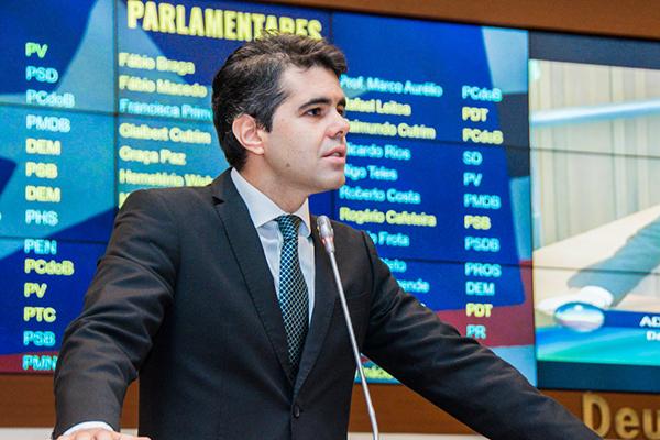 Governo não vai enganar os servidores públicos, diz deputado Adriano Sarney (PV)