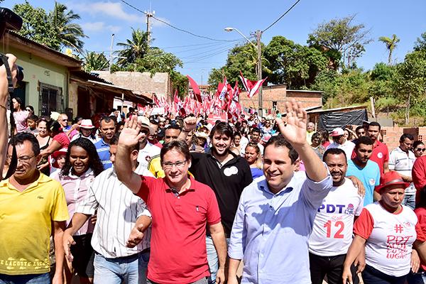 População do Coroadinho vai às ruas para caminhar com Edivaldo Holanda Júnior