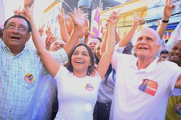 Mostrando força popular, Eliziane Gama promove ato público na Rua Grande
