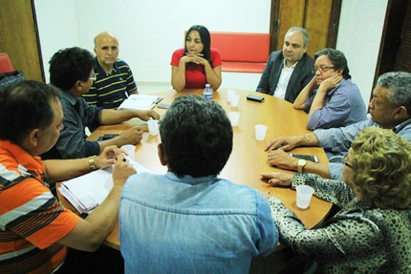 Eliziane Gama se reúne com lideranças partidárias e define estratégias de campanha