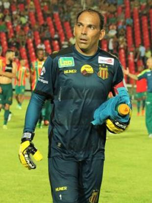 Goleiro do Sampaio Rodrigo Ramos