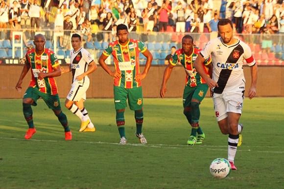 Sampaio arrancou empate com o Vasco por 1 a 1, mas precisa vencer para sair da lanterna e reagir na Série B