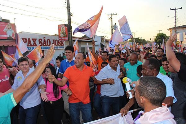O deputado estadual e candidato a prefeito de Bacabal, Roberto Costa (PMDB), movimentou as ruas da cidade
