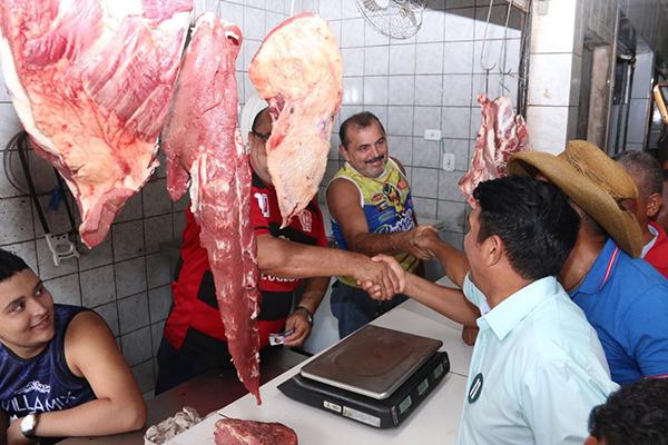 Wellington ratifica compromisso de recuperar feiras e mercados de São Luís