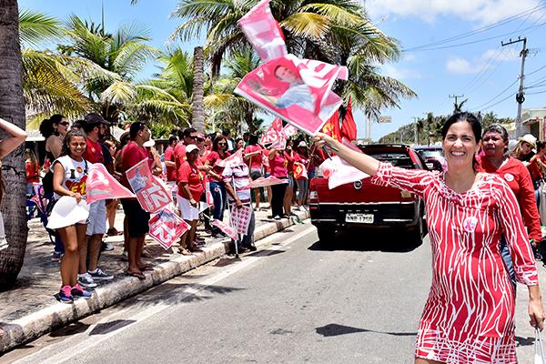 Primeira-dama Camila Holanda foi às ruas para pedir votos ao prefeito Edivaldo Holanda Júnior
