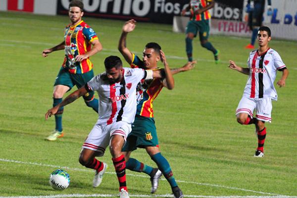 Sampaio empata com o Oeste, por 1 a 1, no Castelào e segue na lanterna da Série B