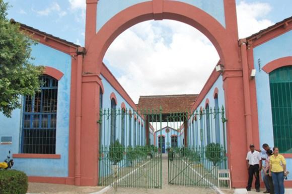 Prédio foi desocupado pela polícia, após quase um mês de ocupação por estudantes secundaristas