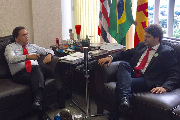 Prefeito eleito Francisco Nagib (PST) visita o senador Roberto Rocha (PSB) em Brasília