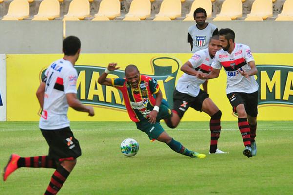 Sampaio perde para o Atlético-GO, no Castelão na sua última partida em casa pela Série B