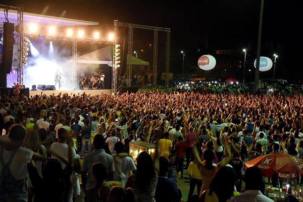 Shows gospel ocorrerão na Maria Aragão e palco do samba será na Avenida Litorânea