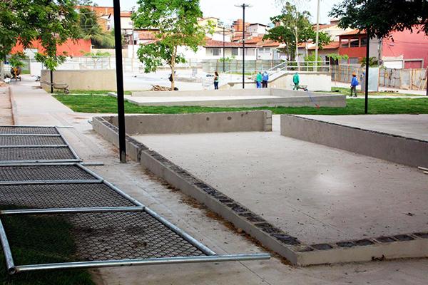 No novo modelo de praças em São Luís, a prefeitura garante a prática de esporte e lazer