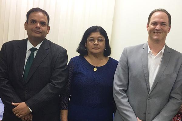 Vice prefeito Marcelo Cabral, prefeita Vianey Bringel e o o deputado estadual Sousa Neto (Pros)
