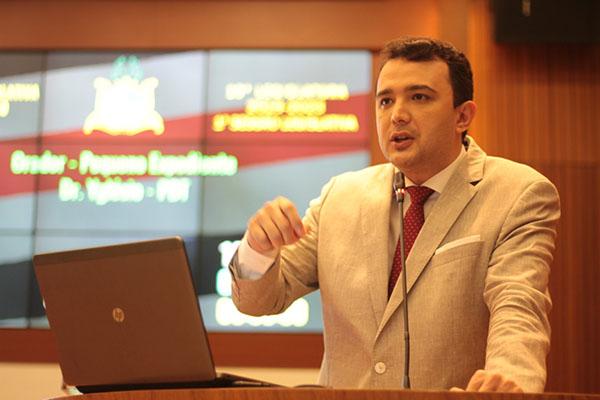 Resultado de imagem para YGLESIO MOISES Assembleia legislativa