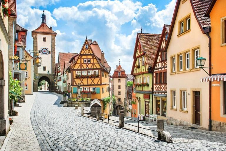 3 Photogenic Winter Destinations In Europe