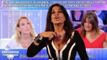 """""""Bugiardina"""", Aida Nizar fa la guerra a Barbara d'Urso e svela un retroscena: """"Dopo il GF mi avevi promesso altro, ma il karma…"""""""