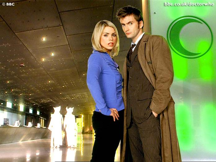 Rose Tyler (Biller Piper) and The Tenth Doctor (David Tennant) - Doctor Who 0 New Earth (c) BBC