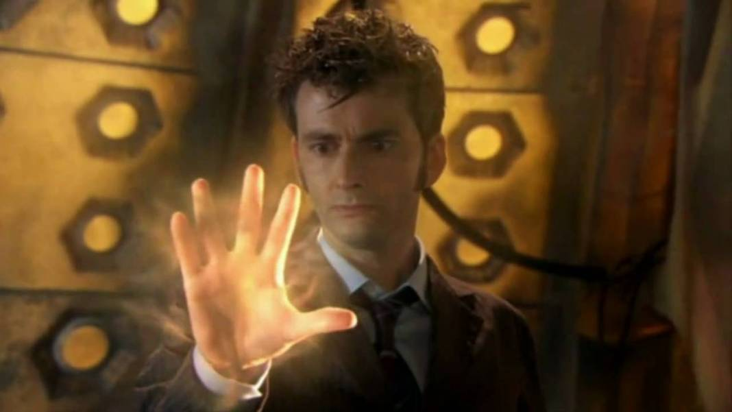 The Tenth Doctors (David Tennant) Regeneration Begins (c) BBC