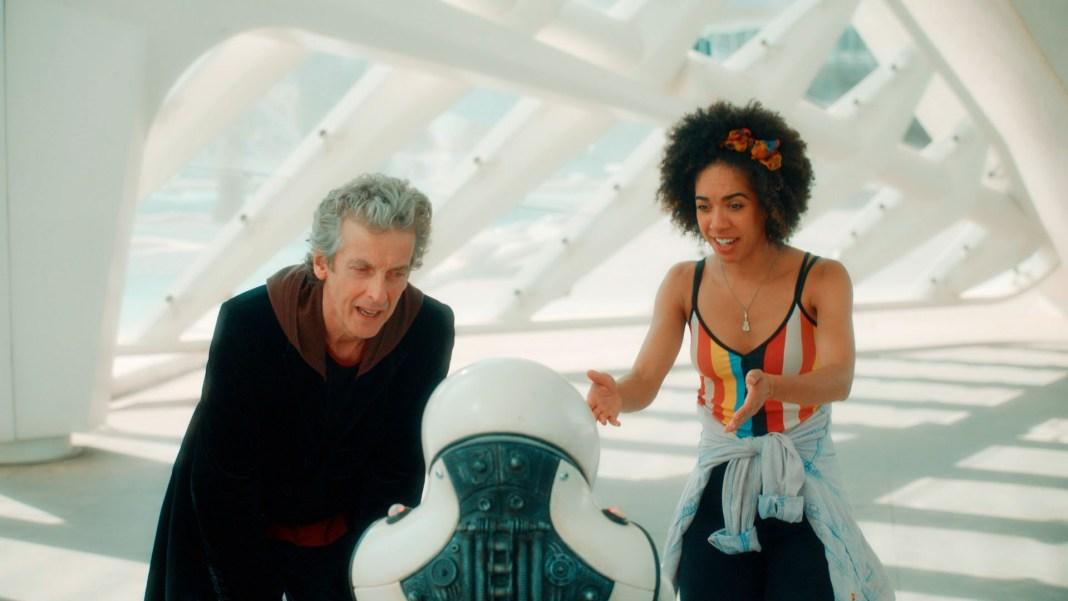 Doctor Who S10 - Screen grab from episode two The Doctor (PETER CAPALDI), Emojibot, Bill (PEARL MACKIE) - (C) BBC - Photographer: screen grabs