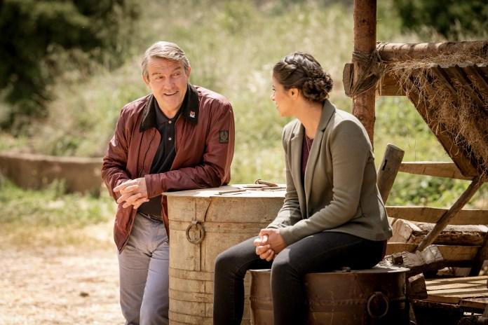 Doctor Who - Series 11 - Episode 6 - Demons of the Punjab - Graham (BRADLEY WALSH), Yaz (MANDIP GILL) - (C) BBC / BBC Studios - Photographer: Ben Blackall