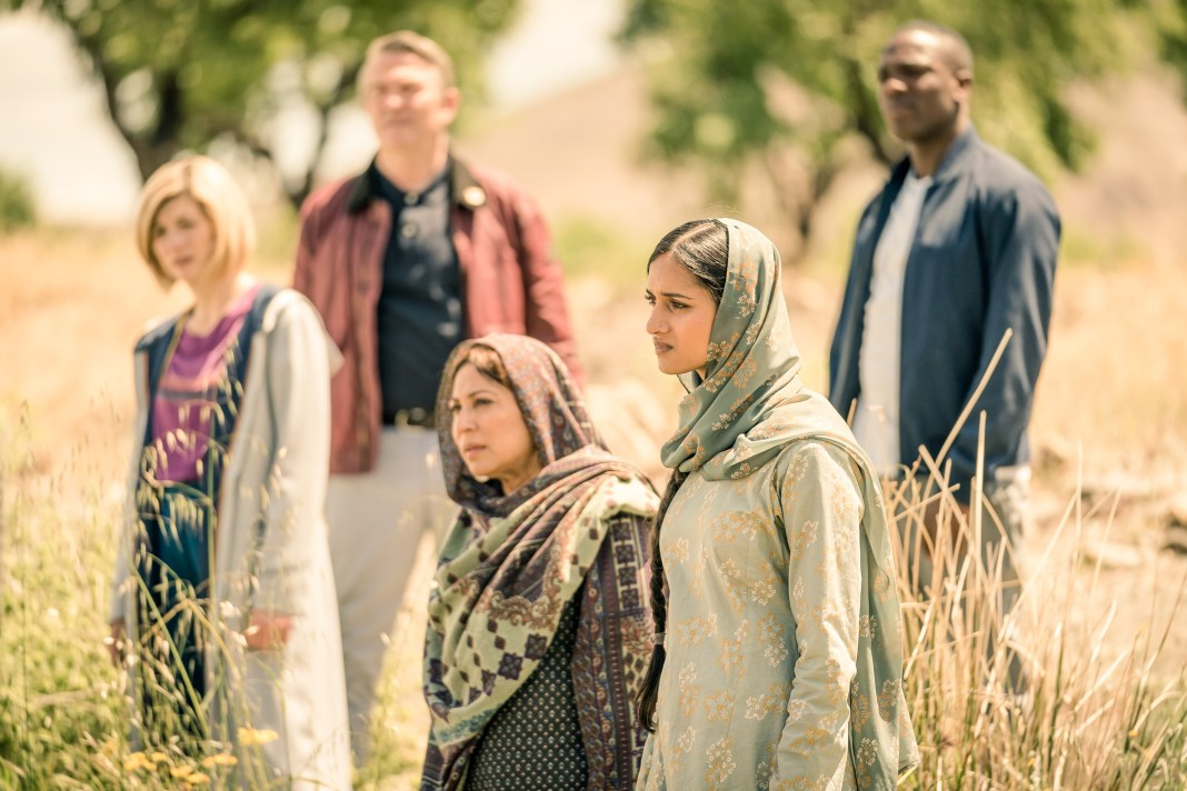 Doctor Who - Series 11 - Episode 6 - Demons of the Punjab - The Doctor (JODIE WHITTAKER), Graham (BRADLEY WALSH), Hasna (SHAHEEN KHAN), Umbreen (AMITA SUMAN), Ryan (TOSIN COLE) - (C) BBC / BBC Studios - Photographer: Ben Blackall