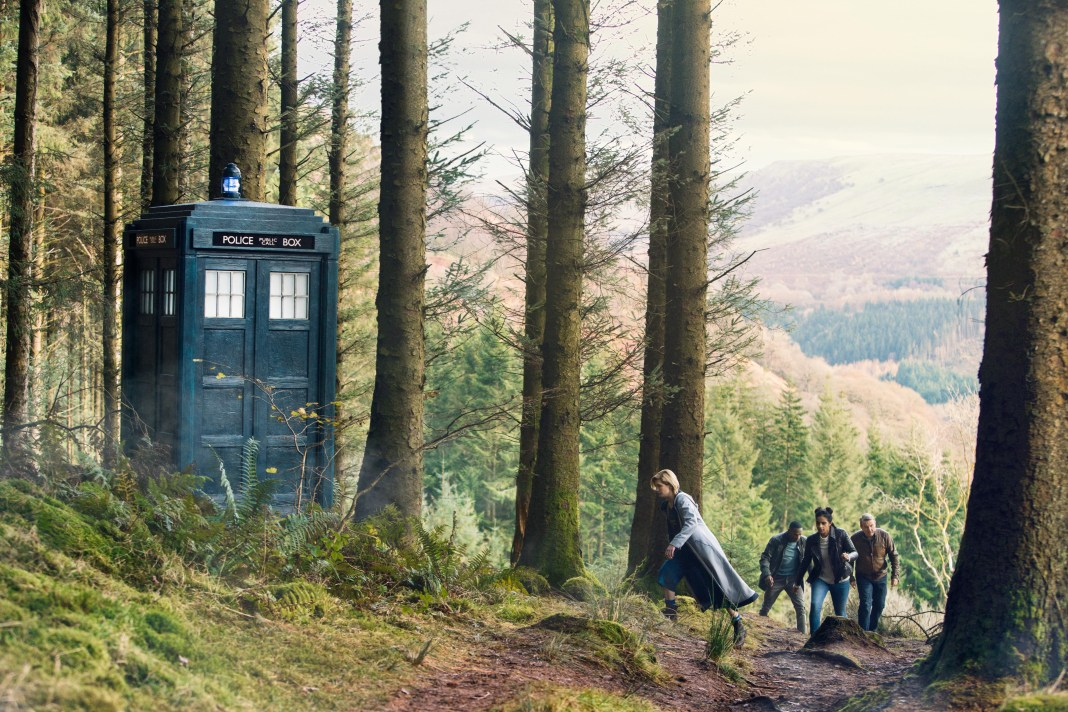 Doctor Who Series 11 - Ep 9 - It Takes You Away - The TARDIS, The Doctor (JODIE WHITTAKER), Ryan (TOSIN COLE), Yaz (MANDIP GILL), Graham (BRADLEY WALSH) - (C) BBC / BBC Studios - Photographer: Simon Ridgway