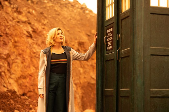 The Doctor (JODIE WHITTAKER), The TARDIS - (C) BBC - Photographer: James Pardon