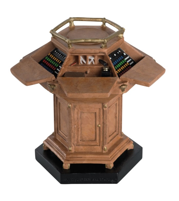 Hero Collector - The Fourth Doctor's Wooden Console Figurine