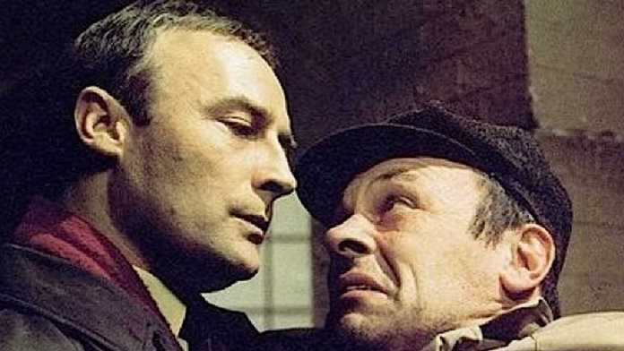 Edward Woodward and Russell Hunter as Callan and Lonely in the original television series (c) StudioCanal British Spy Drama Classic TV Edward Woodword Russell Hunter Lonely Audio