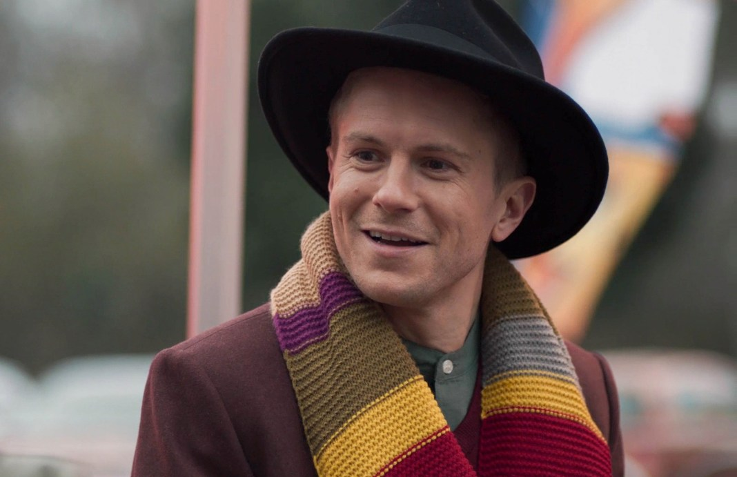 Ethan cosplays as the Fourth Doctor in an episode of Casualty set at Holby Comic Con (c) BBC Studios