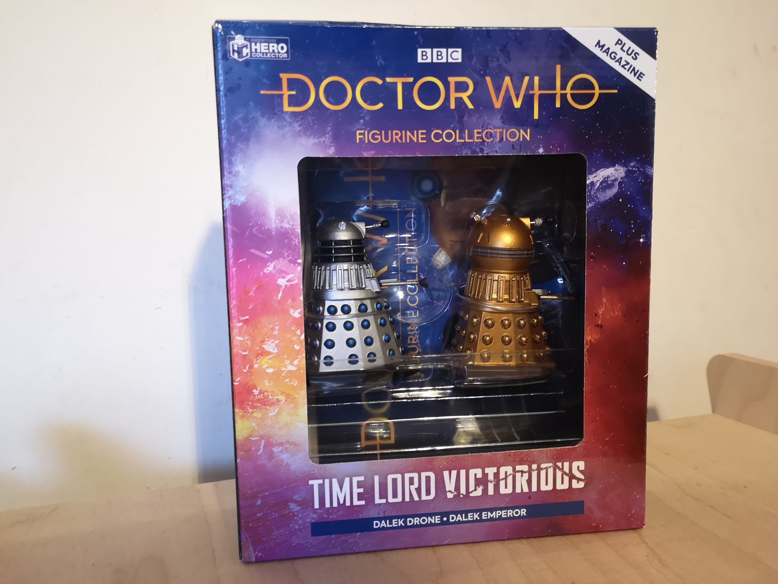 The Dalek Drone and Golden Emperor Figurines from Hero Collector Photo c) Blogtor Who Doctor Who Time Lord Victorious Figurine Collection Eaglemoss