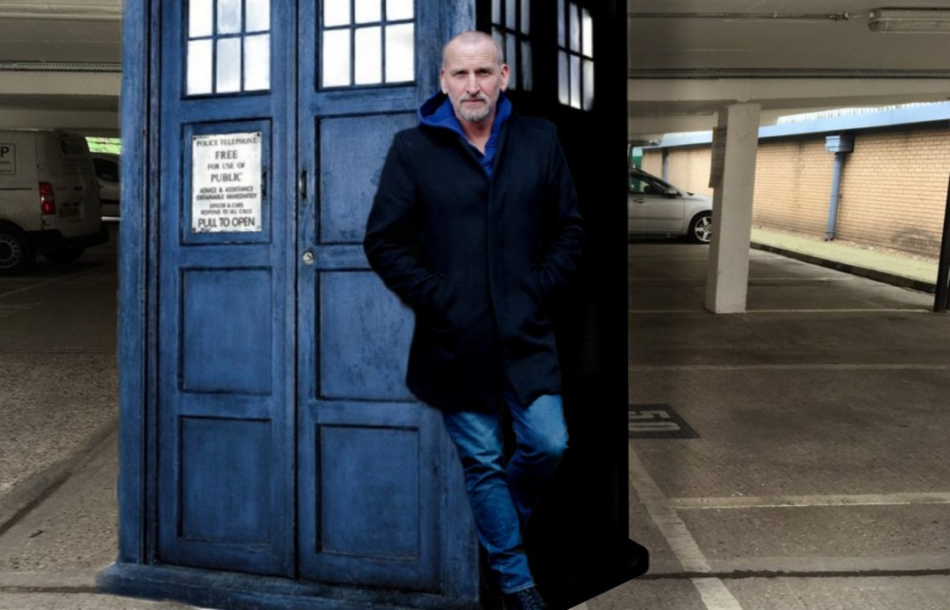 Christopher Eccleston is returning as the Ninth Doctor for a second series of Big Finish adventures. Original photos (c) Big Finish and BBC Studios. Composite (c) Blogtor Who Doctor Who Big Finish Car Park TARDIS 2005 Police Box Prop