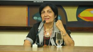 Cleuza de Carvalho Miguel, convive com E.M. e lidera o MOPEM - Movimento de Portadores de Esclerose Múltipla e é membro titular do Conselho Nacional de Saúde - CNS.