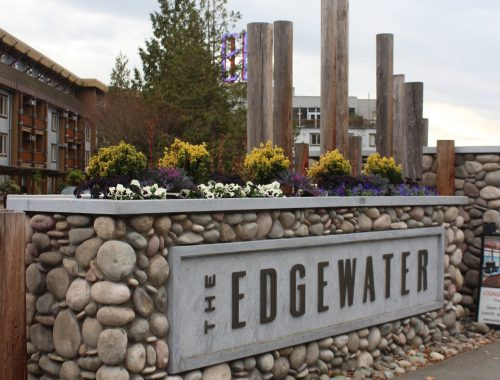 The front drive of The Edgewater Hotel in Seattle