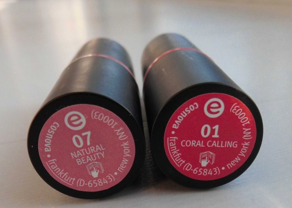 Essence-lipstick-lippenstift-01-coral-calling-07-natural-beauty-1